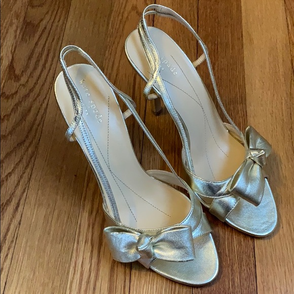 95014706f495 kate spade - gold leather bow heels size 7.5